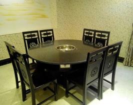黑色火锅桌
